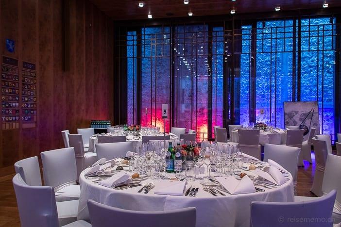 Tischgedeck im Widder Saal von Architektin Tilla Theus