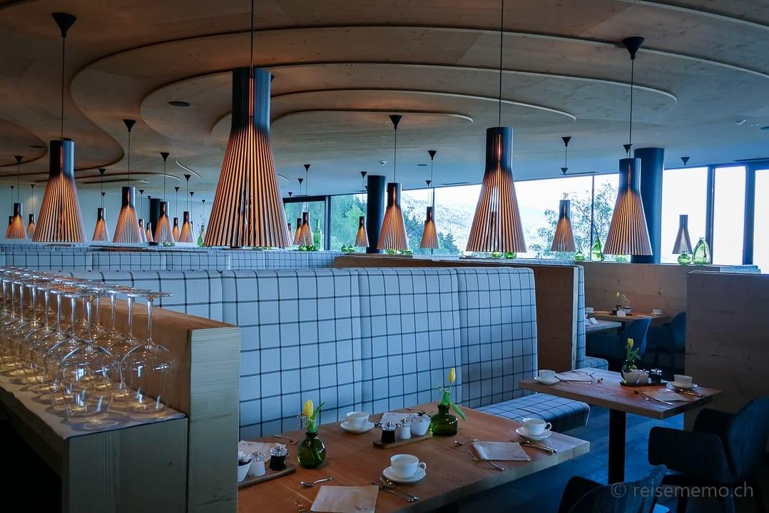 Tische im Restaurant My Arbor