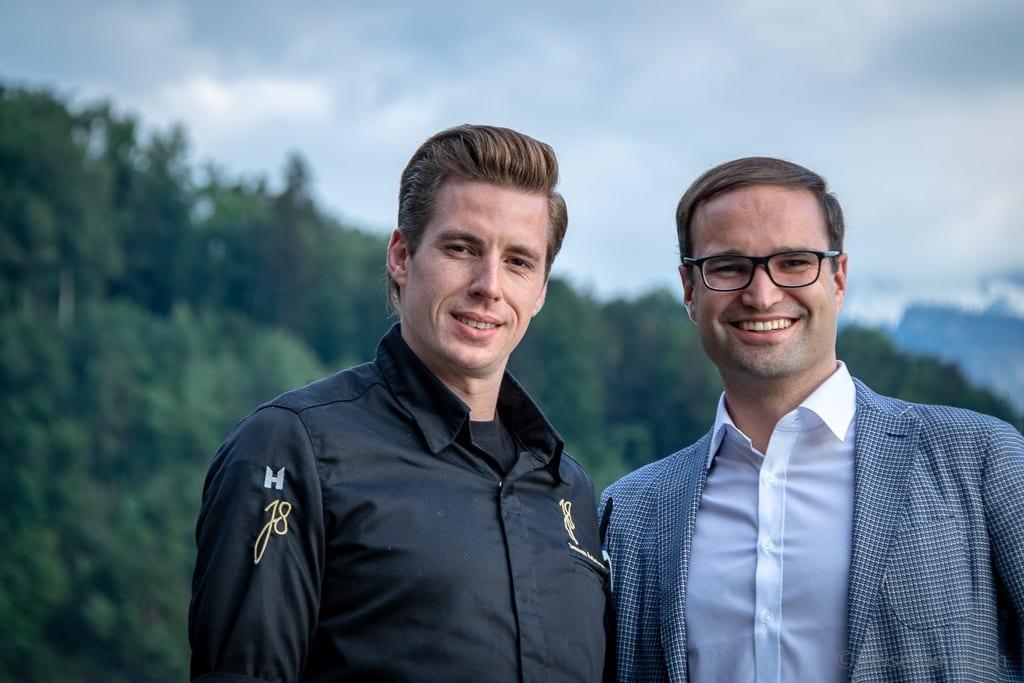 Küchenchef Jeroen Achtien mit Hoteldirektor Raphael Herzog