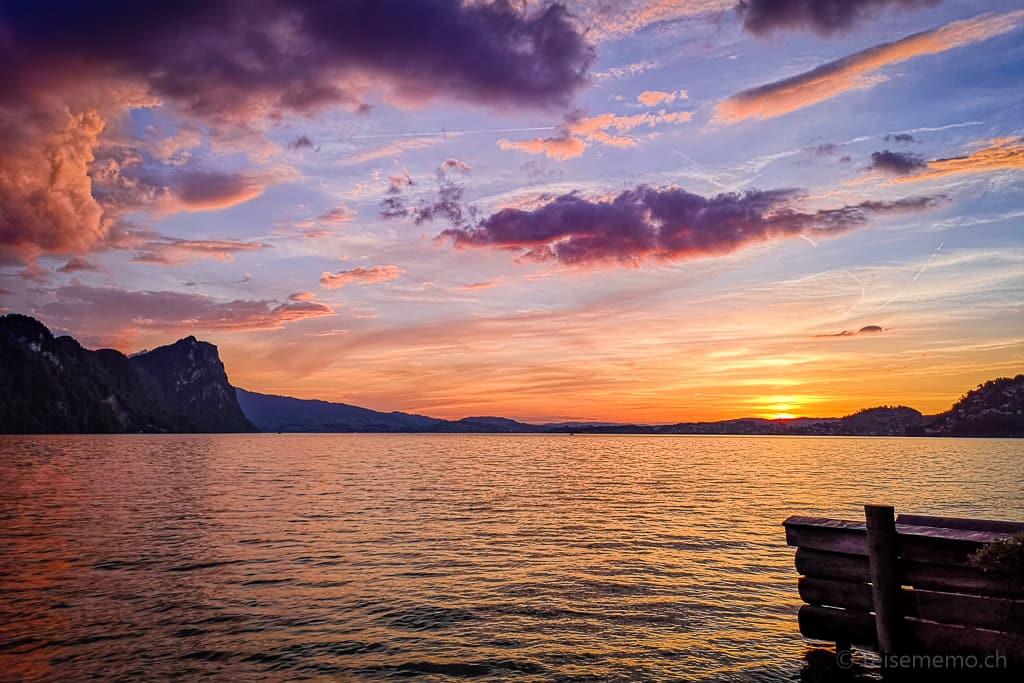 Sonnenuntergang im Vierwaldstättersee und Bürgenstock
