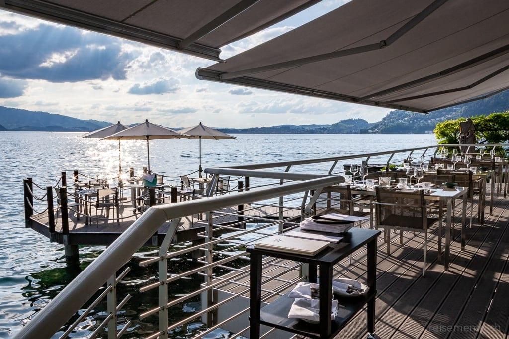 Terrasse und Insel des Restaurants Sens im Vitznauerhof