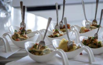 Vorspeisebuffet: Maultaschen an Zwiebelspeckschmelze und Röstzwiebeln von Klaus Ludes Maritim Hotel Stuttgart