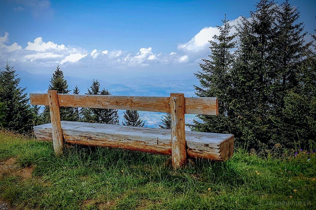 Sitzbank beim Aussichtspunkt Känzeli Rigi
