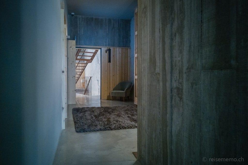 Gang und Treppenhaus im Armazém Luxury Housing