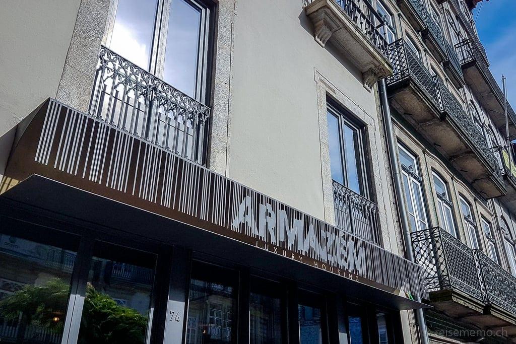 Aussenfassade des Armazém Luxury Housing Hotels in Porto