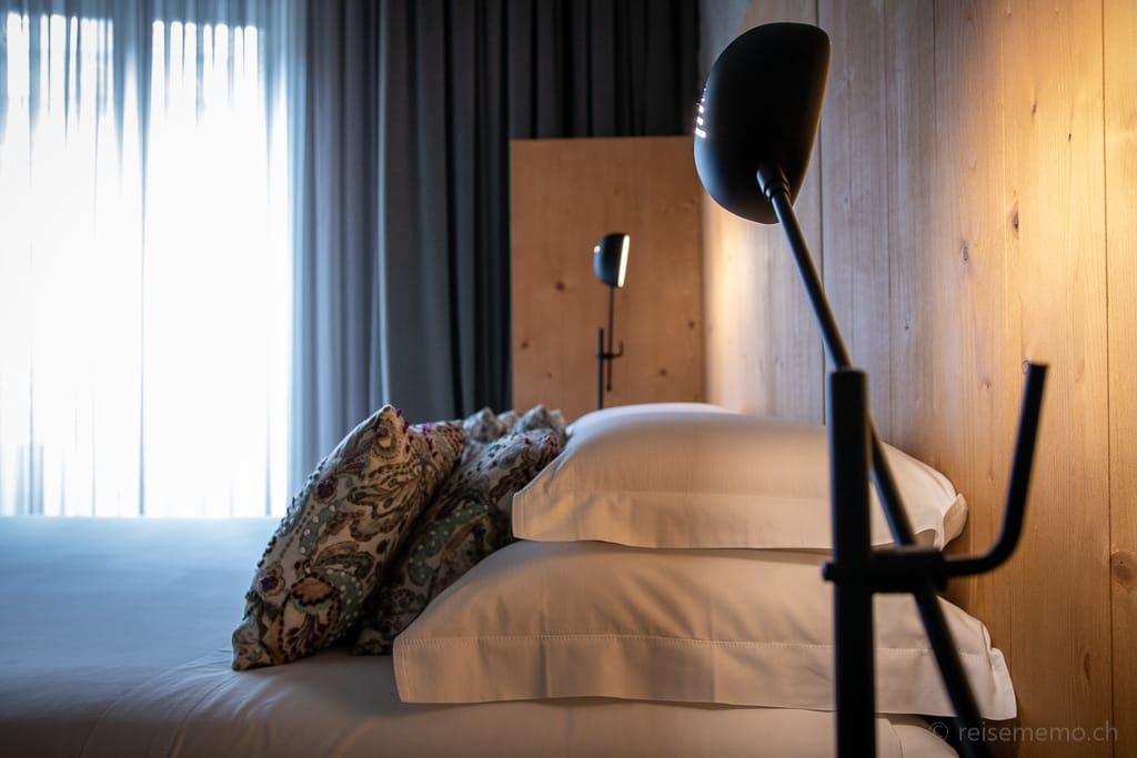 Elegante Nachttischleuchten im Armazém Schlafzimmer