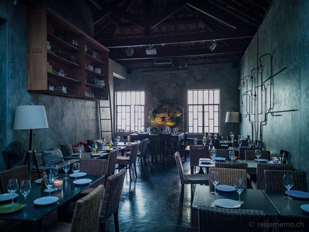 Stimmungsvoller Restaurantsaal der Cantina 32