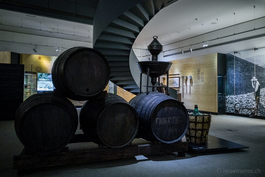 Portweinfässer im Douro Museum in Peso da Régua