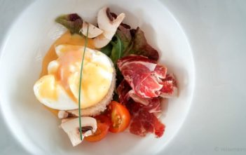Egg Benedict im Ca Na Xica Designhotels in Ibiza