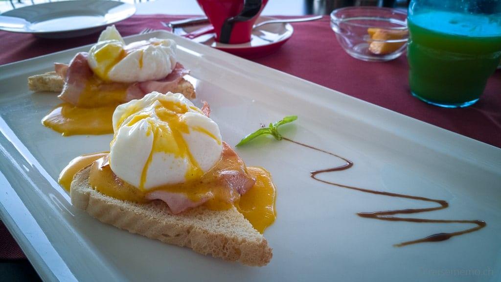 Eggs Benedict des Navis Designhotels in Kroatien