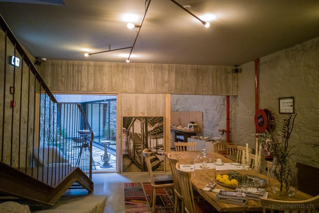 Restaurant im Untergeschoss des Armazém Luxury Housing