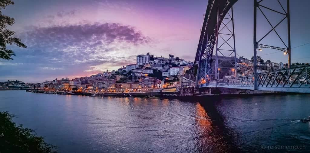 Portos Ribeira-Quartier am Douro mit Dom Luis I Brücke