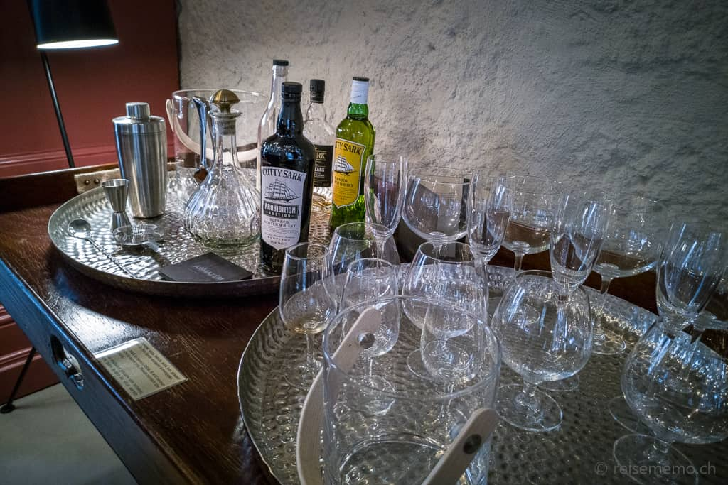 Portwein-Degustation in der Lounge von Armazém Luxury Housing