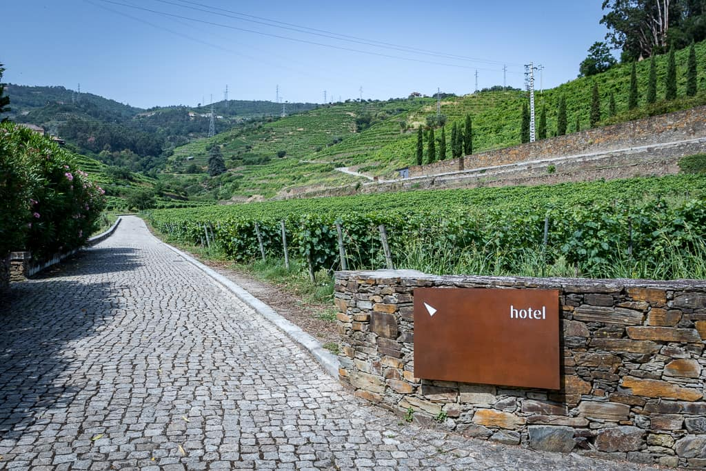 Zufahrt zum Six Senses Douro Valley