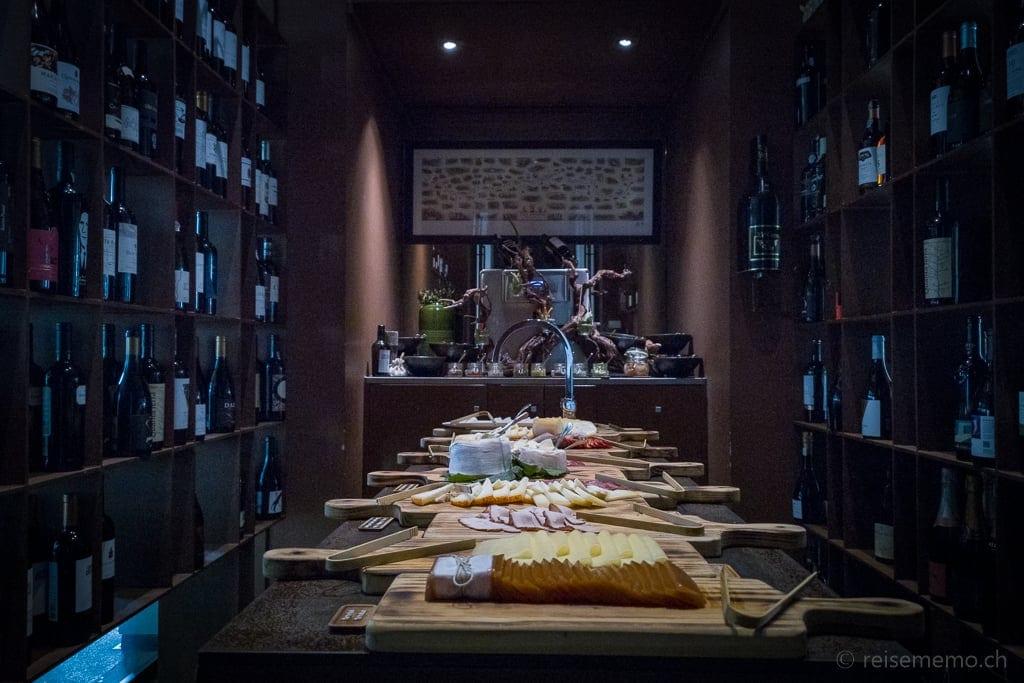Käse- und Aufschnittbuffet im Six Senses Douro Valley