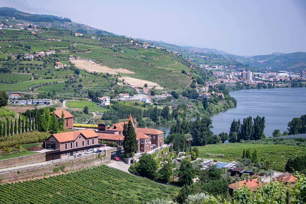 Six Senses Luxushotel mit Sicht auf Douro und Régua