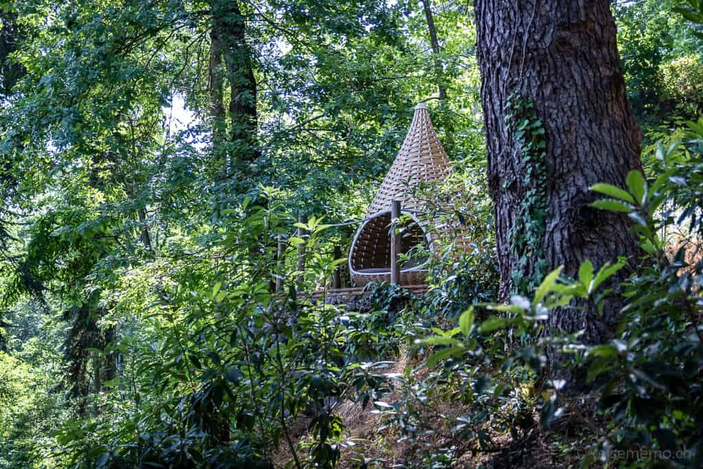 Sitzkorb im Wald des Six Senses Douro Valley