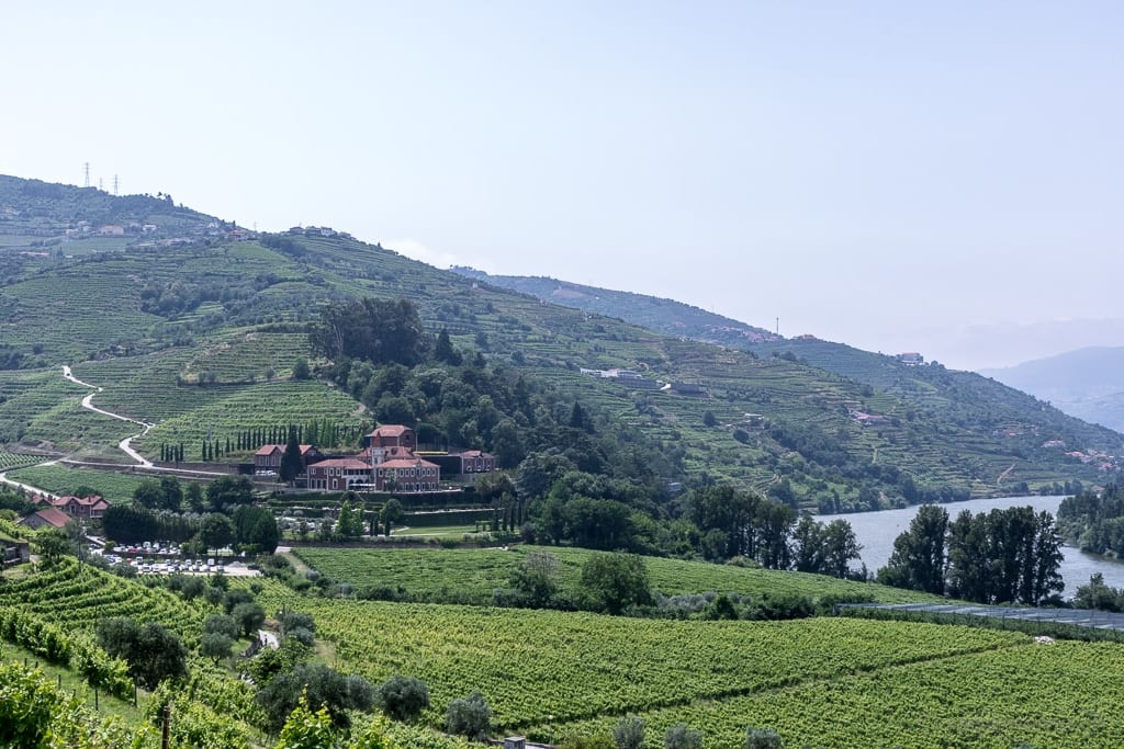 Six Senses Douro Valley Hotel in den Weinreben