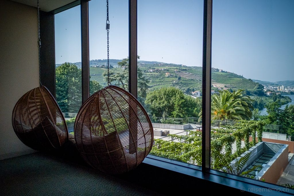 Korbstühle mit Aussicht ins Douro-Tal