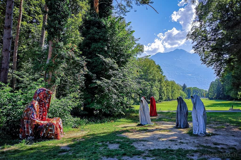 Skulpturen Guardians of Time von Manfred Kielnhofer im Golfplatz Bad Ragaz