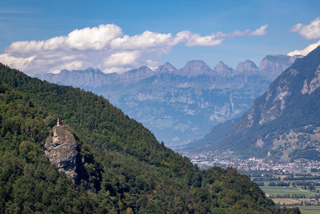 Blick von Schloss Wartenstein auf Guschakopf und die Churfirsten
