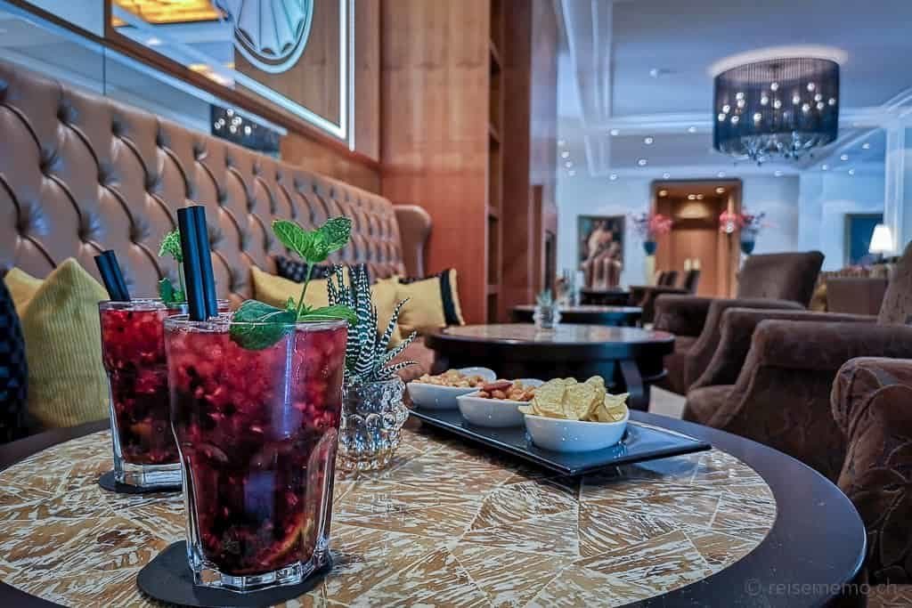 Willkommensdrink im Grand Hotel Hof Ragaz