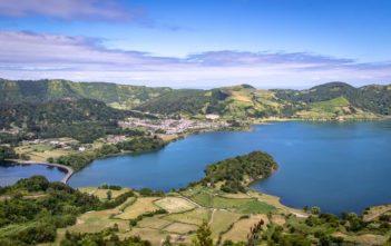 Sete Cidade und der blaue See Lagoa Azul