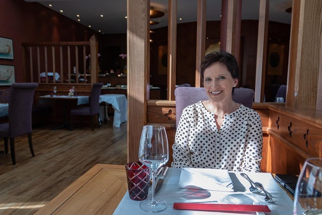 Katja im Restaurant Namun des Grand Hotel Quellenhof