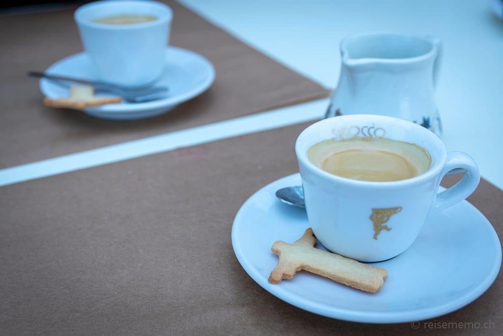 Schloss Wartenstein: Espresso mit Cristo Retendor Guezli