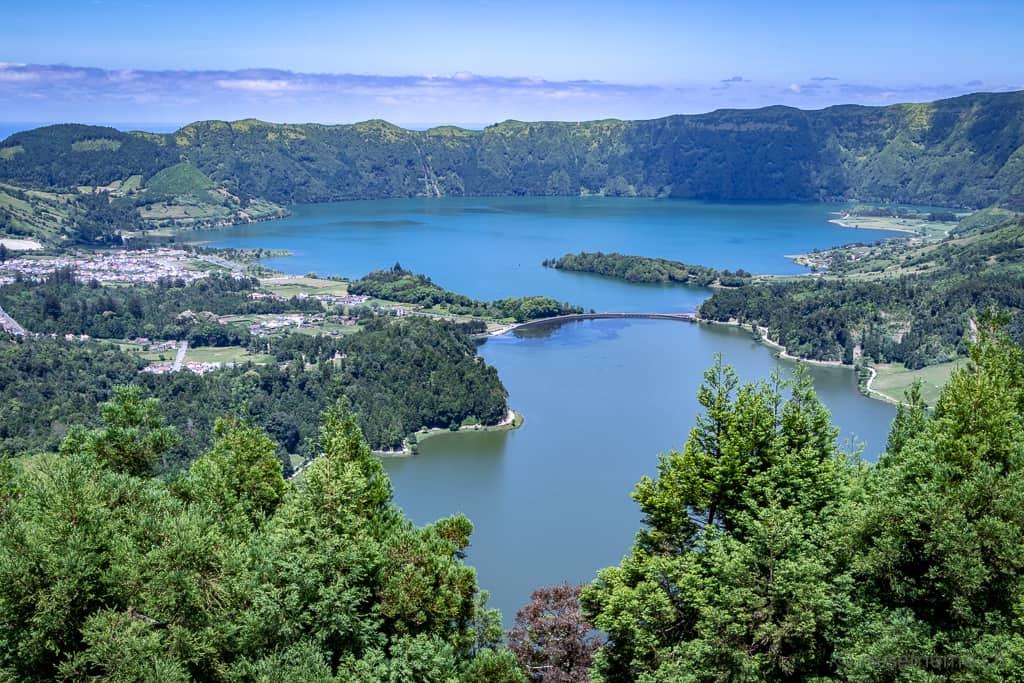 Vista do Rei auf Lagoa Verde und Azul