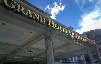 Vordach des Grand-Hotel Quellenhof & Spa Suites