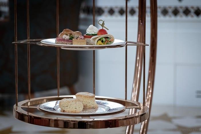 Etagère zur Tea Time im Al Bustan Palace