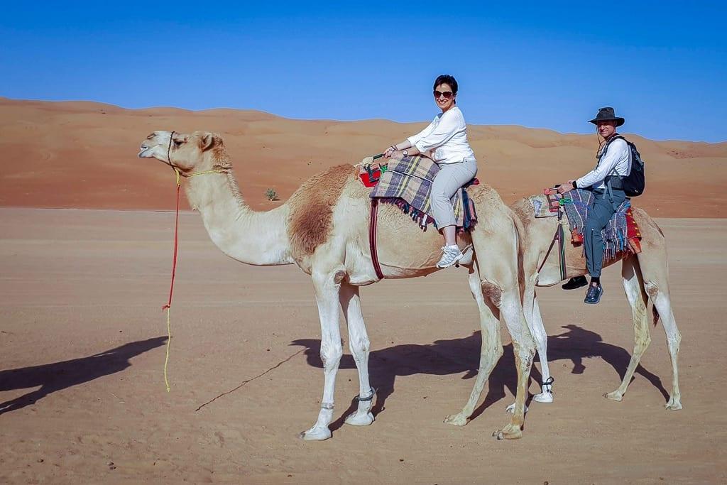 Kamelausritt im Desert Nights Camp Wahiba Sands