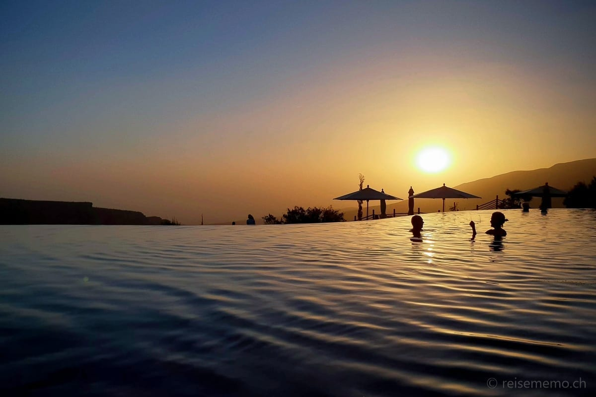 Pool im Sonnenuntergang Alila Jabal Akhdar