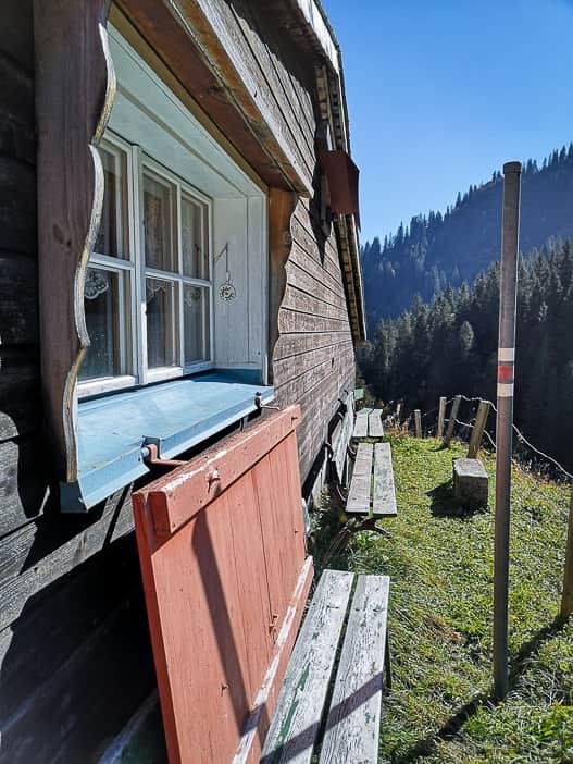 Sitzbank im Restaurant Bächialp Braunwald