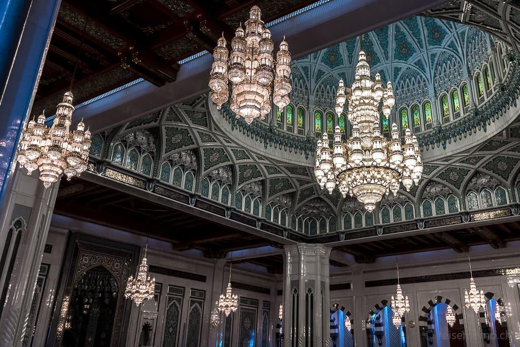 Kronleuchter der Sultan Qaboos Moschee