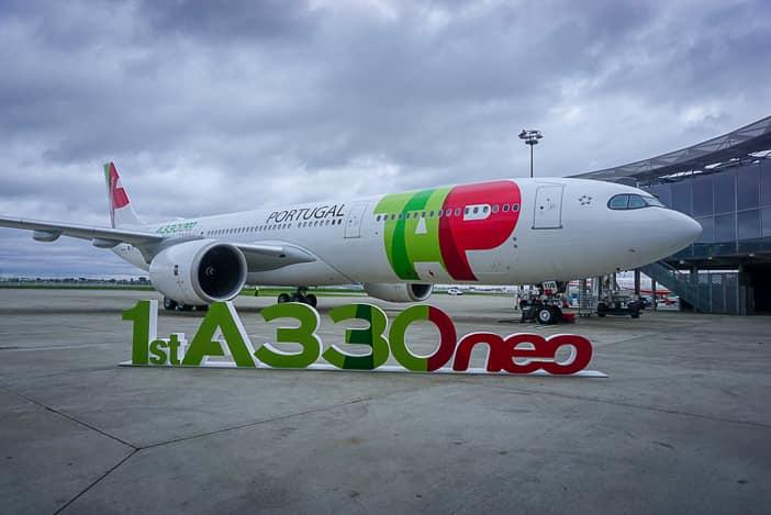 Der weltweit erste ausgelieferte Airbus A330neo in den Farben von Ta