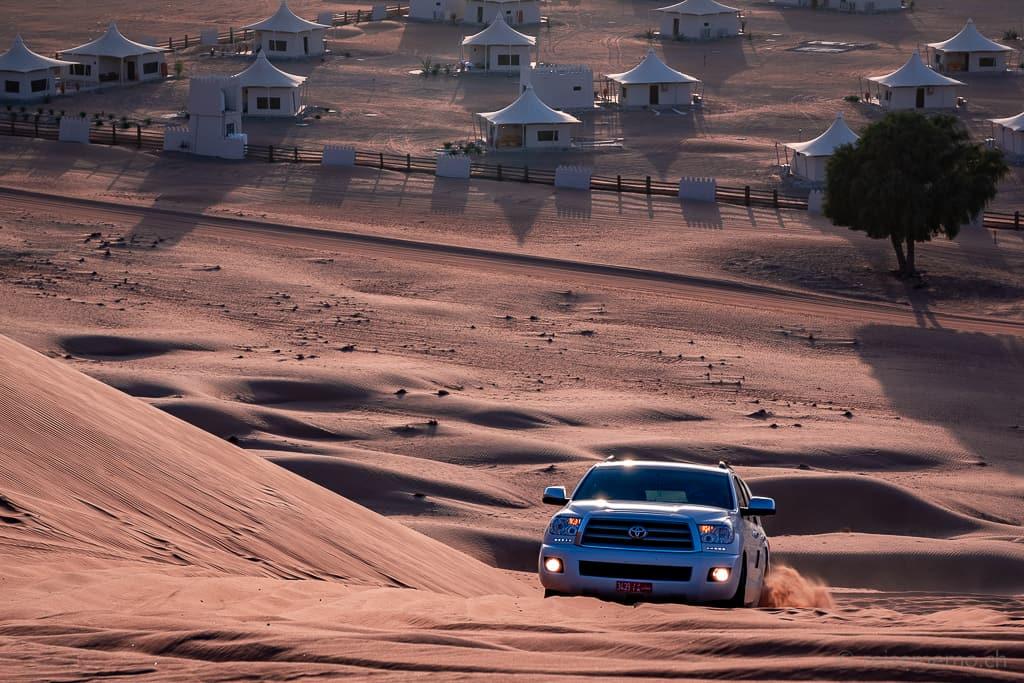 Toyota SUV im Desert Nights Camp Wahiba Sands im Oman