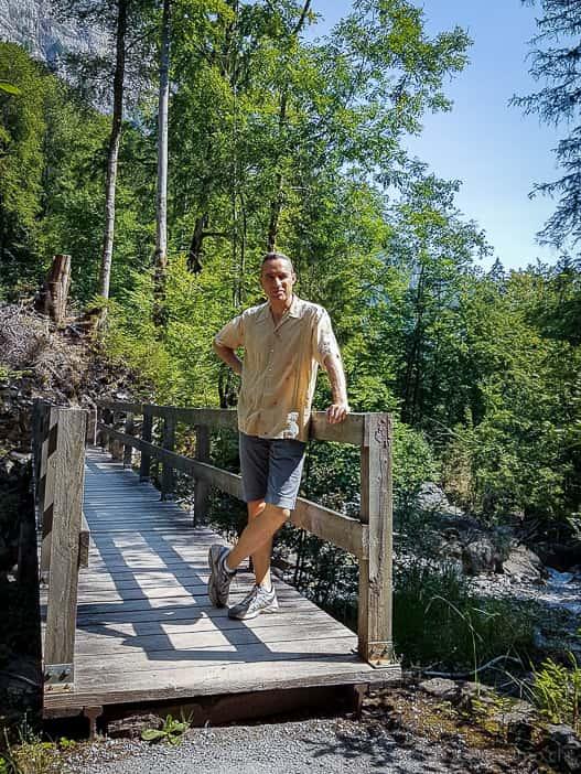 Holzbrücke über das Löntschtobel
