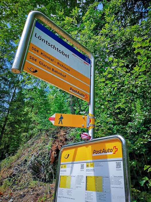 Postauto Haltestelle Löntschtobel