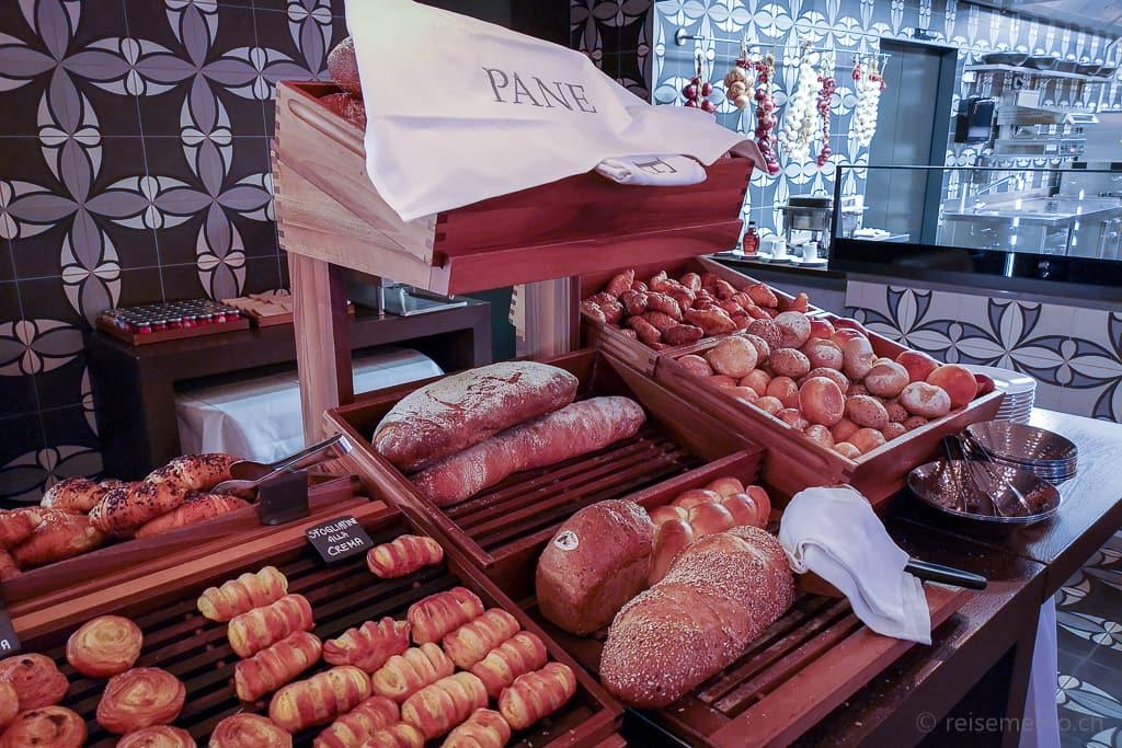 Brotbuffet im La Fontana