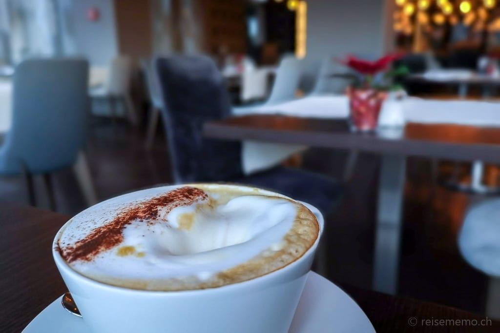Cappuccino im La Fontana
