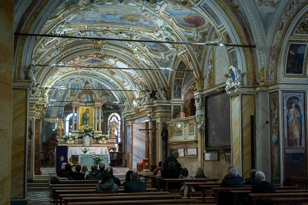 Mittelschiff von Madonna del Sasso