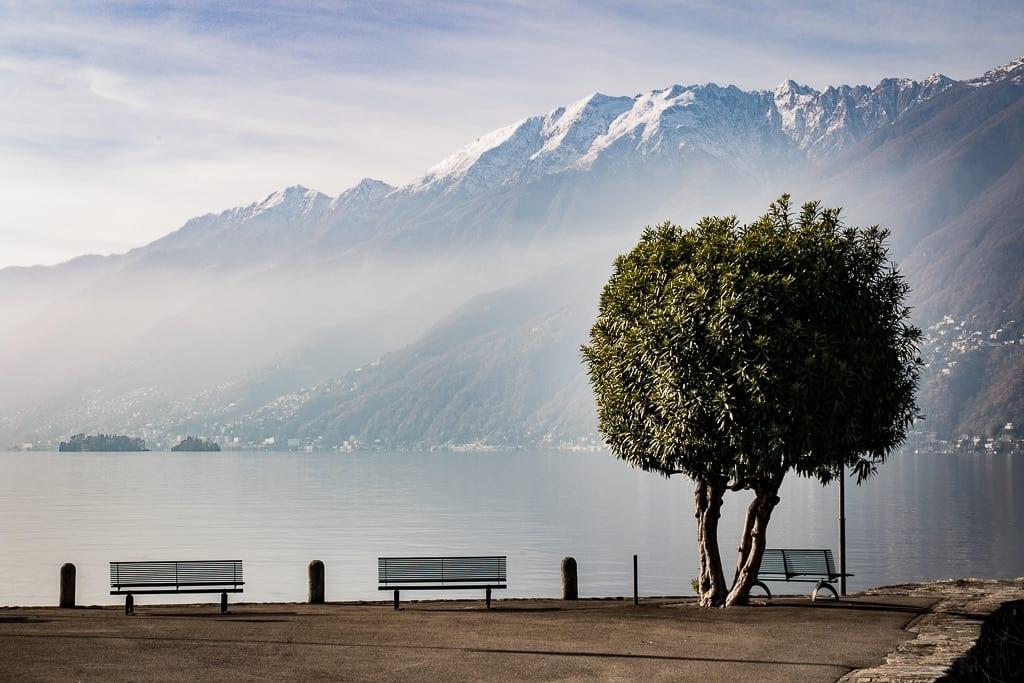 Pier von Ascona mit Aussicht auf den Lago Maggiore