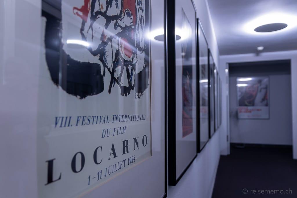 Plakate von früheren Ausgaben des Filmfestival Locarno
