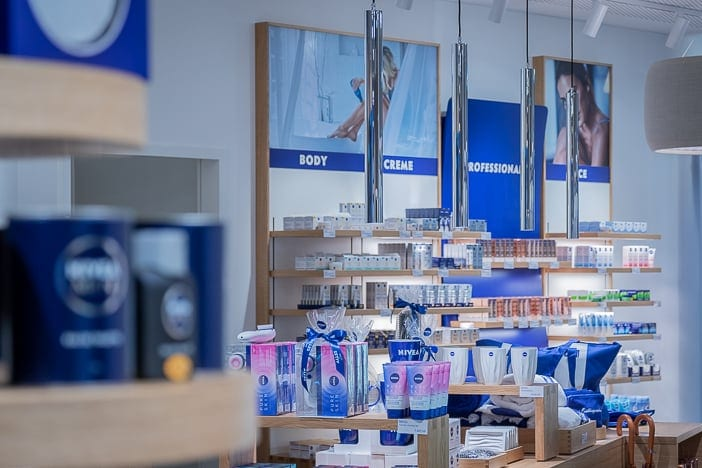 Grosses Nivea Produktsortiment im Nivea Haus Zürich-Altstetten