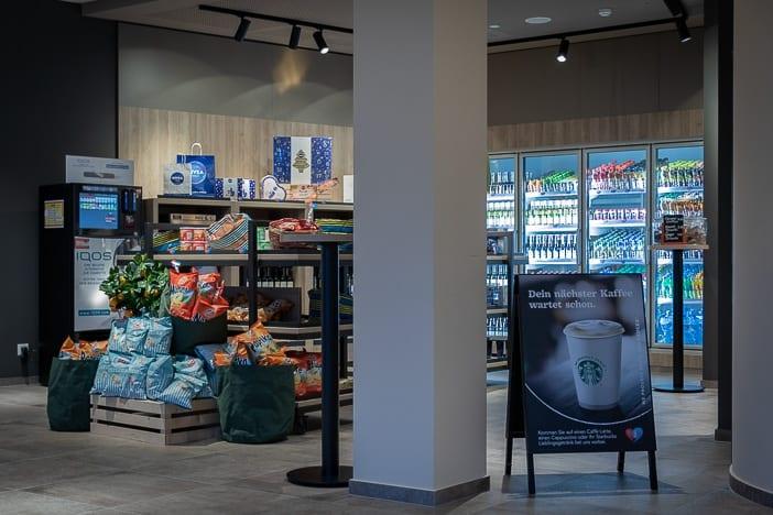 Auswahl im Smart Markt des a-ja Resorts Zürich