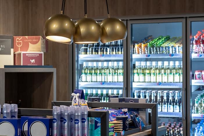 Smart Markt mit Starbucks Kaffeemaschine