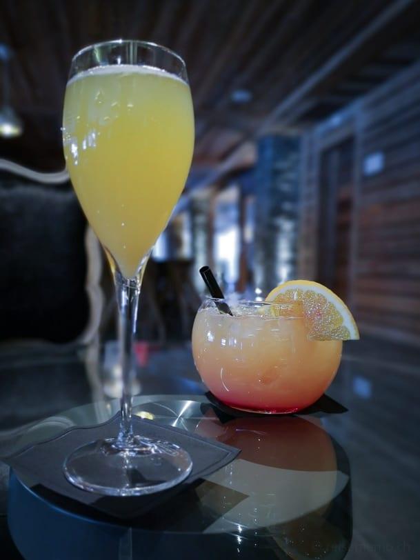 Lobby und Bar im Hotel Nendaz 4 Vallées & Spa