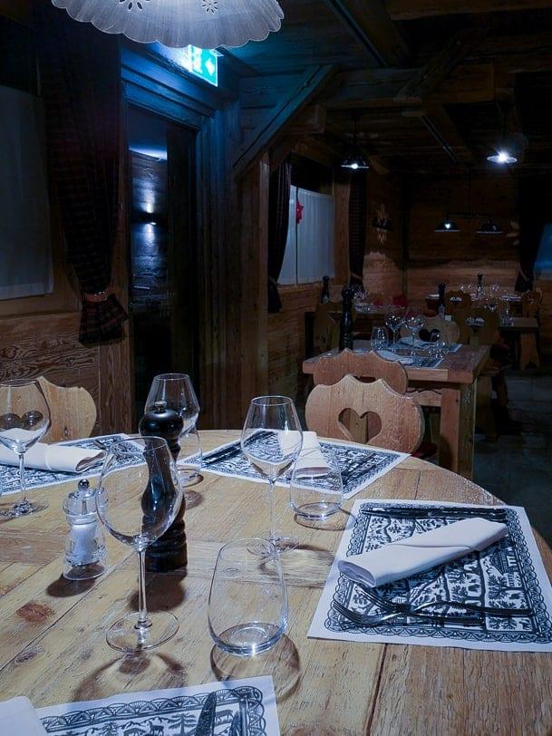 Tischsets von Beatrice Straubhaar im Restaurant Carnotzet L'Aigle